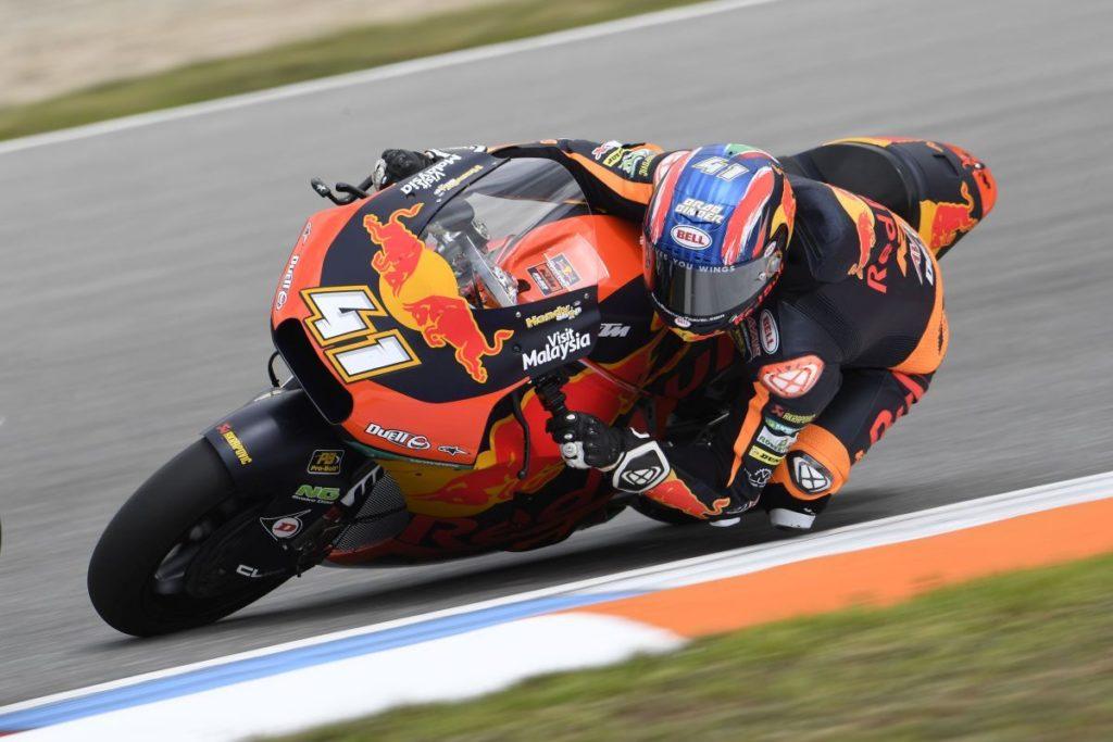 Brad Binder KTM Moto2 Ajo Red Bull Czech Republic Brno elbow