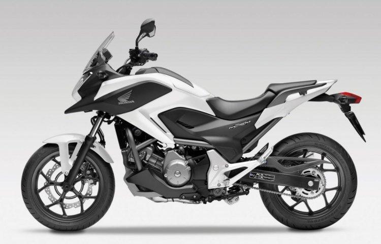 honda-nc700-nc700x-white-99aa35e2-3bf9-4c9d-9d33-e8e0373d71e8