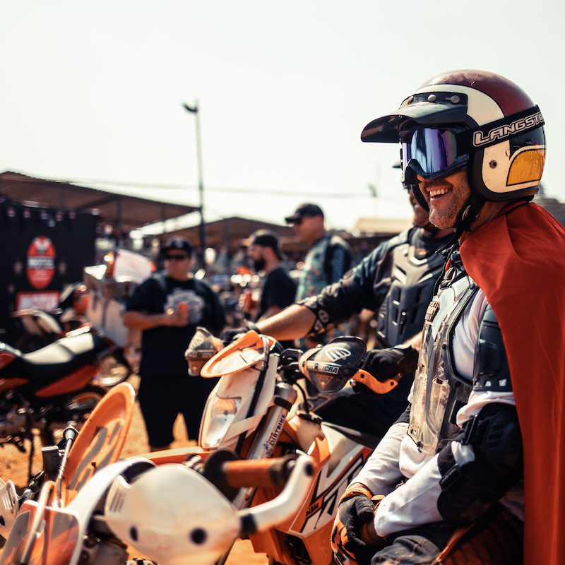 Capes and gritty grins seemed to be the dress for the day, 2019 Stofskop taken by ZCMC