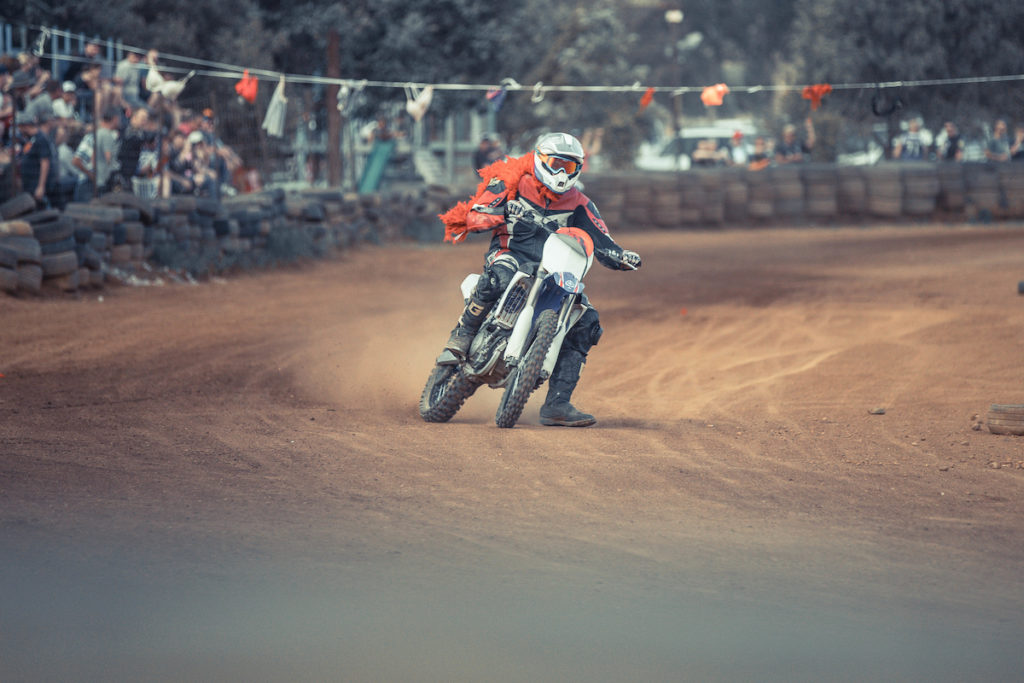 Dust, speed and crazy outfits are the order of the day for Stofskop photo by ZCMC
