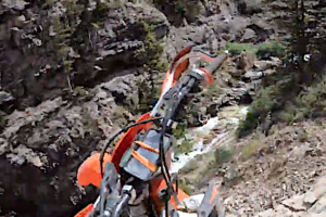 Video: Enduro rider survives fall off cliff