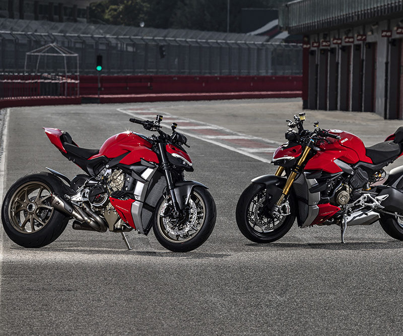 MY20_DUCATI_STREETFIGHTER V4 S_AMBIENCE_44_UC101679_Low