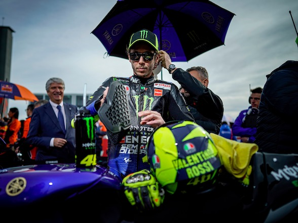Opinion: Should Valentino Rossi retire?