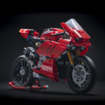 06_Ducati Panigale V4 R LEGO_ Technic__UC154215_Low