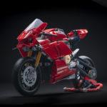 07_Ducati Panigale V4 R LEGO_ Technic__UC154223_Low