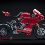 12_Ducati Panigale V4 R LEGO_ Technic__UC154226_Low