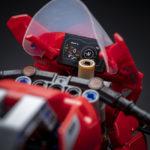 19_Ducati Panigale V4 R LEGO_ Technic__UC154228_Low