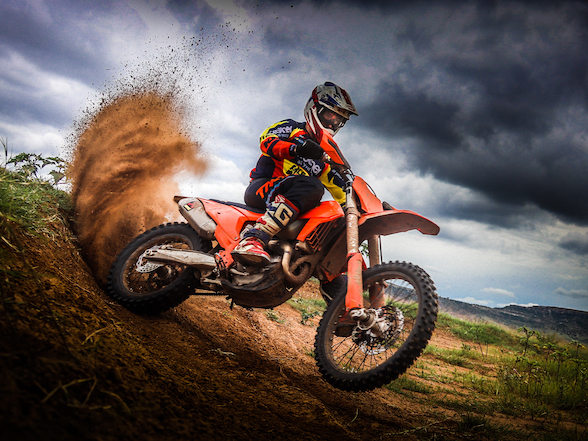 Brother Leader Tread KTM signs Charan Moore