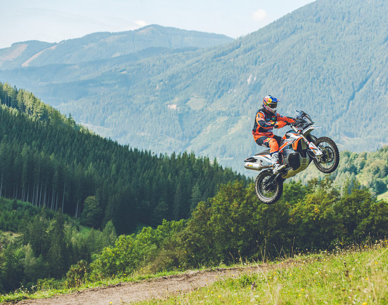 360998_MY21 KTM 890 ADVENTURE R RALLY_ Action_ Toby Price
