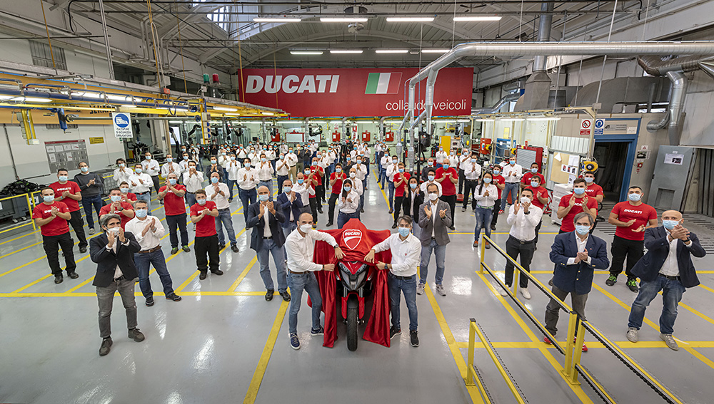 DUCATI_MultistradaV4_development_team__UC198153_Low