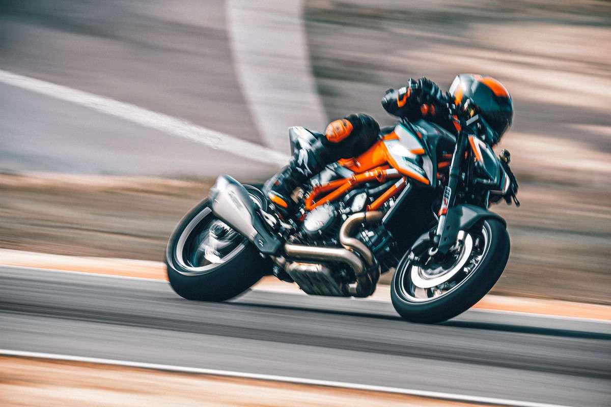 2021 KTM 1290 SUPERDUKE RR RUMOUR, BRUTAL NAKED BIKE - YouTube