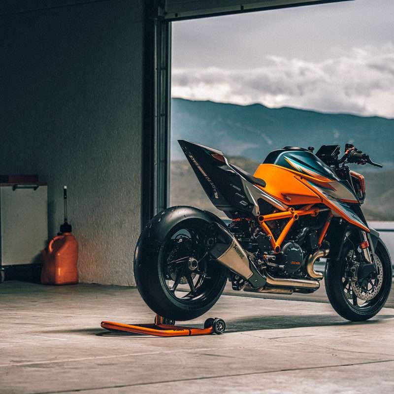 378265_MY21 KTM 1290 SUPER DUKE RR_ Action - The Bike Show