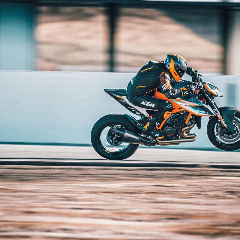 377953_MY21-KTM-1290-SUPER-DUKE-RR_-Action - The Bike Show