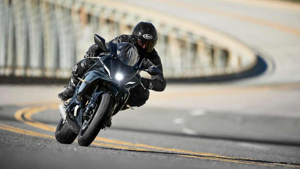 Yamaha R7 ACT_001_03_preview